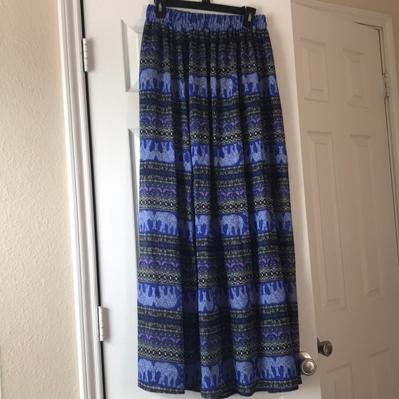 miami Dresses & Skirts - Maxi skirt